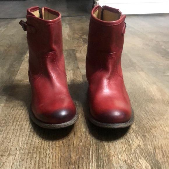 Frye Pippa Back Zip Short Burnt Red Boot